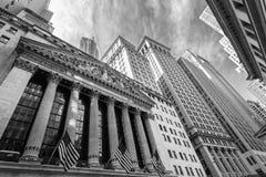 Yttersida av den New York börsen, vägggata, lägre Manhattan, New York City, USA Arkivbild