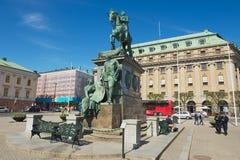 Yttersida av den rid- statyn av Gustavus Adolphus på Gustav Adolfs torg i Stockholm, Sverige Royaltyfria Foton