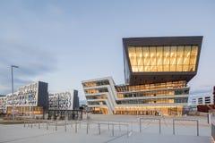 Yttersida av det Wien universitetet av nationalekonomi och affären Royaltyfria Bilder