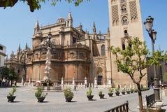 Yttersida av domkyrkan av St Mary av se i Seville, Spanien Royaltyfri Fotografi
