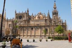 Yttersida av domkyrkan av St Mary av se i Seville, Spanien Royaltyfri Foto