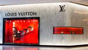 Yttersida av en Louis Vuitton i Bangkok, Thailand. Fotografering för Bildbyråer