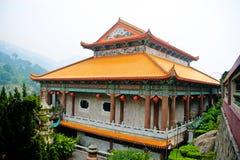 Yttersida av ett kinesiskt tempel Arkivfoton