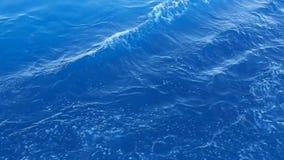 Yttersida av havet med vågor från ett skepp arkivfilmer
