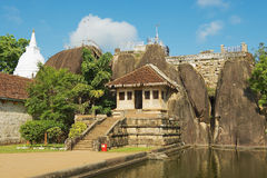 Yttersida av Isurumuniyaen vaggar templet i Anuradhapura, Sri Lanka Arkivbilder