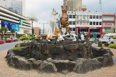 Yttersida av kattmonumentet i i stadens centrum Kuching, Malaysia royaltyfri bild