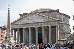 Yttersida av panteon i Rome arkivbilder