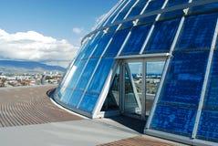 Yttersida av Perlanen, Reykjavik, Island royaltyfria foton