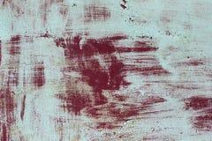 Yttersida av rostigt järn med kvarlevor av gammal mångfärgad målarfärgtexturbakgrund Rosta, korrosion på metall och kvarlevor av  Royaltyfri Foto