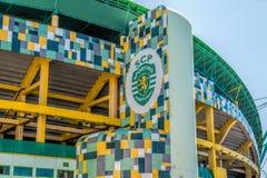 Yttersida av stadion Jose Alvalade Hem- stadion för den sportsliga Cluben de Portugal royaltyfria foton
