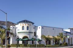 Yttersida av Starbucks i Glendale Kalifornien Arkivfoto