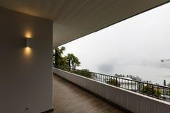 Yttersida av terrassen med inget omkring arkivbild