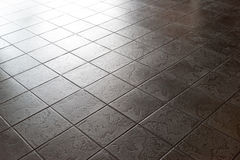 Yttersida för keramisk tegelplatta, golv, mörk stenmodell Arkivbild