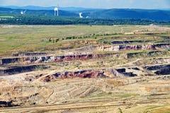 Yttersidamin med röda mineraler och brunt kol, sikt från över Royaltyfri Fotografi