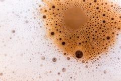 Yttersidatextur av varmt mjölkar kaffe och mjuk fradga arkivbilder