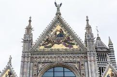 Yttersidor och detaljer av den Siena domkyrkan, Siena, Italien Royaltyfri Foto