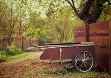 Arbeta i trädgården vagn Fotografering för Bildbyråer
