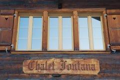 Yttre detalj av den traditionella trächalet i Murren, Schweiz Royaltyfri Fotografi