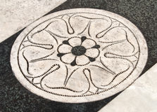 Yttre marmorgolv av Siena Cathedral, Italien Arkivbilder