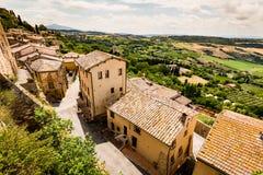 Yttre sikt av byggnader i den medeltida och renässansstaden Arkivfoto