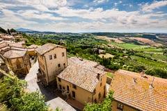 Yttre sikt av byggnader i den medeltida och renässansstaden Arkivbild