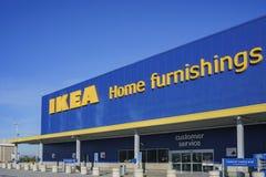 Yttre sikt av den berömda IKEA möblemangdiversehandeln arkivfoto