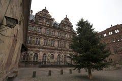 Yttre sikt av den Heidelberg slottsikten från trädgården royaltyfri fotografi