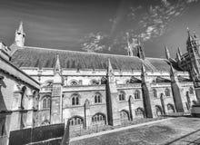 Yttre sikt av den Westminster abbotskloster i London Royaltyfria Bilder