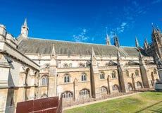 Yttre sikt av den Westminster abbotskloster i London Royaltyfri Foto