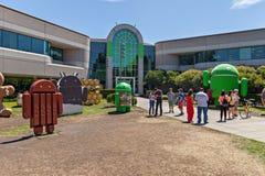 Yttre sikt av det Google kontoret royaltyfria bilder