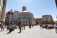 Yttre sikt av Florence Baptistery Royaltyfria Bilder