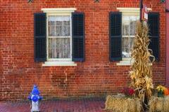 Yttre vägg av en historisk gästgivargård fotografering för bildbyråer