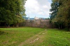 Yttre väggar av kloster av Serra San Bruno, Calabria, Italien Royaltyfria Bilder