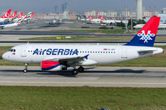 YU-APF Luft Serbien Airbus A319-132 Lizenzfreie Stockfotos