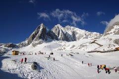 yu för lång nationalpark för lijiang xueshan royaltyfria foton