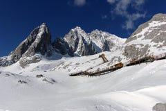 yu för lång nationalpark för lijiang xueshan Royaltyfri Foto