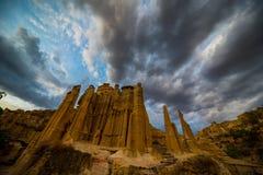 Yuanmou błoci las z pełnym cumulonimbus chmury zdjęcia royalty free