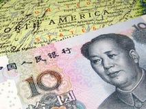 Yuans op U S kaart De handelsoorlog van China - van Verenigde Staten royalty-vrije stock foto