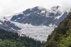 YUBENG, CHINE - 9 août 2014 : Glacier au village de Yubeng un célèbre Photos libres de droits