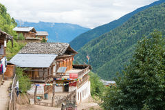 YUBENG CHINY, Aug, - 8 2014: Yubeng wioska sławny punkt zwrotny wewnątrz Fotografia Stock
