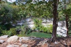 Yucatán, México. Cenote sagrado en Chichen Itza fotografía de archivo