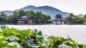 Yudai桥梁和西湖视图在杭州,中国 库存图片