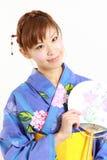 Yukata japonês com fã de papel Fotos de Stock Royalty Free