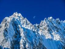 Yulong Śnieżna góra w zimy świetle Zdjęcie Stock