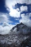 Yulong snöberg Fotografering för Bildbyråer