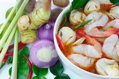 yum tom goong еды тайское стоковое изображение