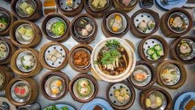 Yumcha, dim sum im Bambusdampfer, chinesische Küche Lizenzfreies Stockfoto
