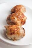 Yummy ρόλοι κοτόπουλου με την πλήρωση Στοκ Φωτογραφίες