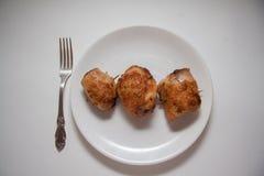 Yummy ρόλοι κοτόπουλου με την πλήρωση Στοκ Φωτογραφία