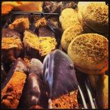 Yummy печенья с замороженностью шоколада Стоковые Изображения